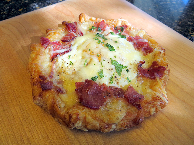 Saturday Reportout: Market Gourmet/Tart Lady's Birds Nest with Bacon and Egg + FHWAF