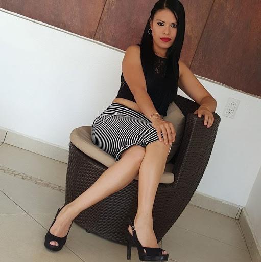 Karina Estrada Photo 30