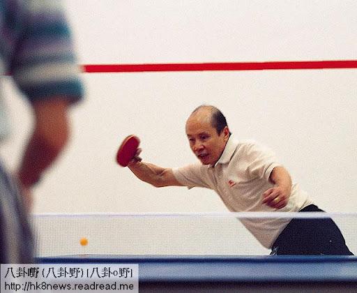 甘健成熱愛運動,除精通武術、打拳外,其乒乓球球藝亦有職業水準。(何少忠攝)