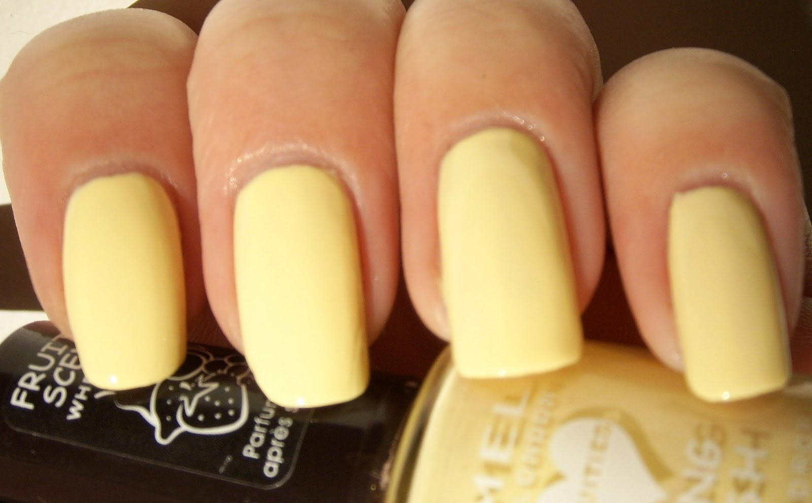 It's quite nice pastel yellow, but I didn't feel like it was for me by it self, so that's why I needed to have some konading over it.