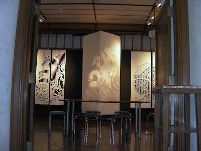 伊勢でのコンガラ展「ひかりと影のtonality(調性)Ⅱ」の会場風景
