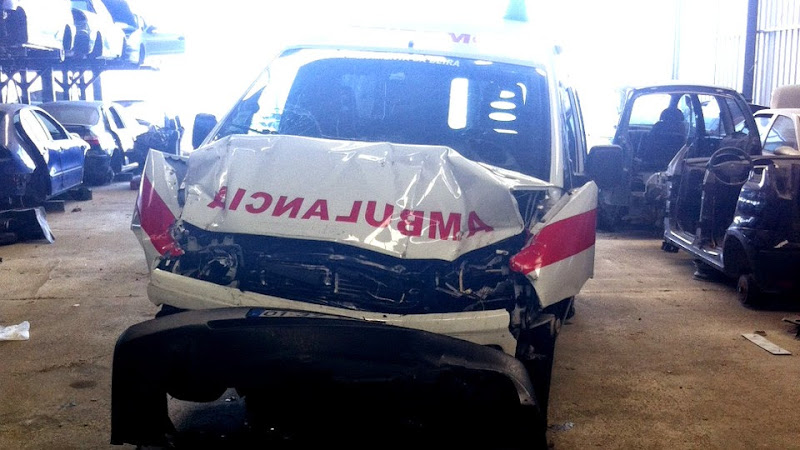 Quatro feridos em acidente com ambulância na A24 - Vídeo - SIC