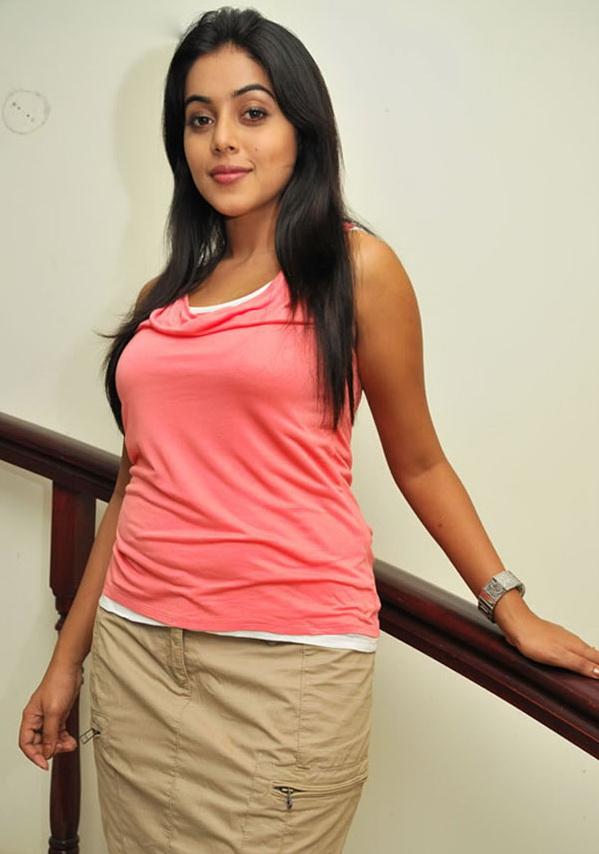 Hair Style Cabon Actress Shamna Kasim Hot