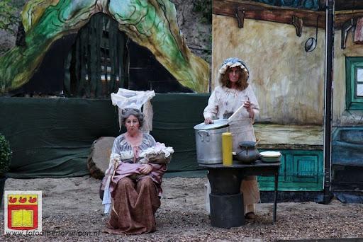 Alice in Wonderland, door Het Overloons Toneel 02-06-2012 (38).JPG