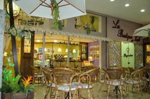 O quê: La Boutique Du Cafe Onde: Avenida Soledade, 565 Loja 33, bairro  Petrópolis em Porto Alegre. Fone: (51) 3012.1696. Horário: De segunda a  sexta, ...