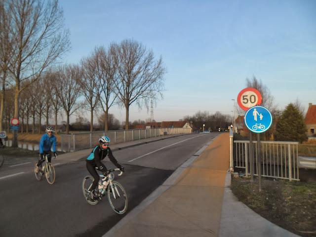 Schipdonkkanaal Deinze - Eeklo (Fietssnelweg F422) - Knokke (of Afleidingskanaal van de Leie) Zondag%2520036