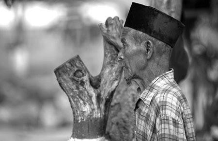Kisah Kakek Sholeh yang Terlupa