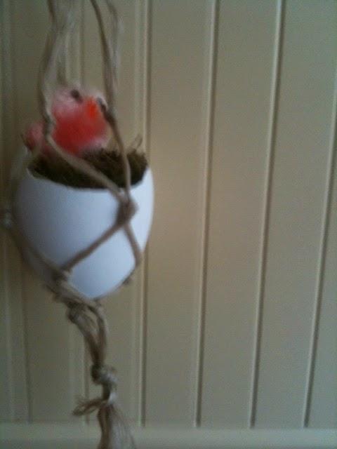 paaseieren maken om op te hangen