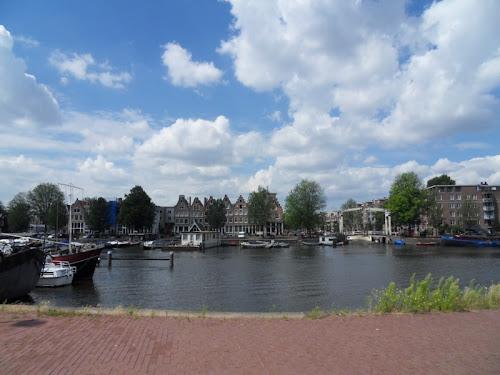 Amsterdam da lontano imbarcazioni