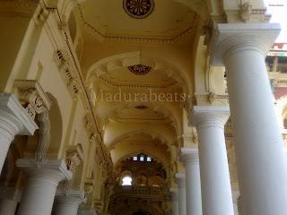 Thirumalai+Nayakkar+Palace+pillars-with+roof+art+works