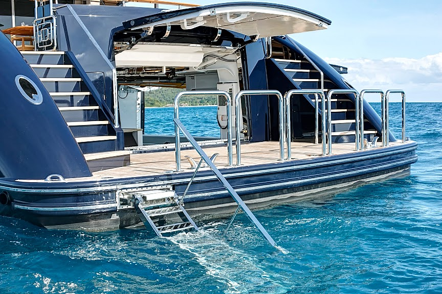 Alloy Yachts AY43 Loretta Anne | Classy and fabulous way of living