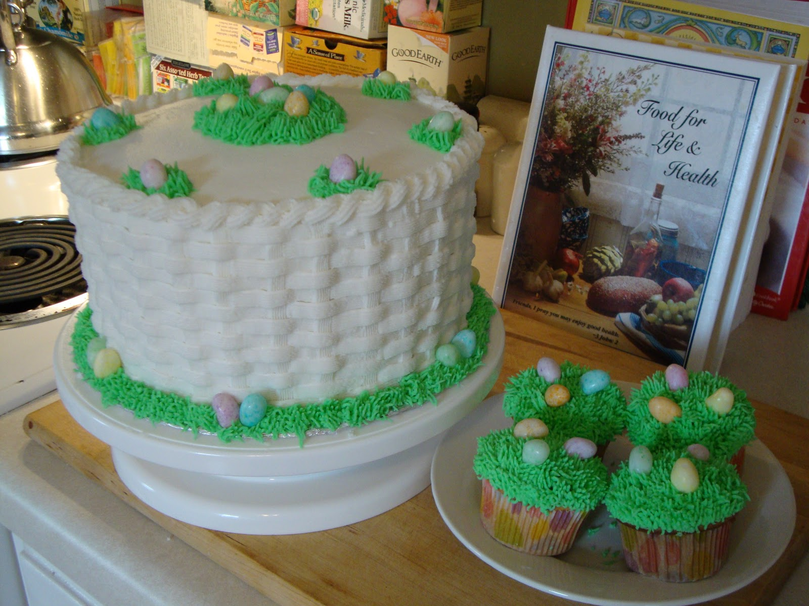 Mega-Pretty Cakes: Easter Checkerboard Basket Weave Cake