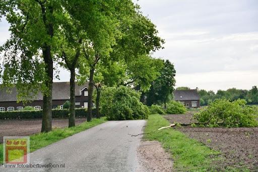 Noodweer zorgt voor ravage in Overloon 10-05-2012 (3).JPG