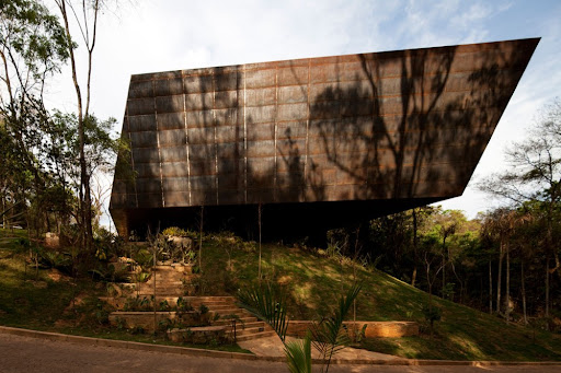 Galeria Miguel Rio Branco, Arquitetos Associados