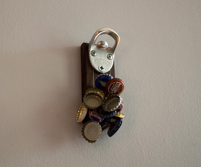 *木製吸鐵開瓶器DropCatch:反抗地心引力便利設計! 2
