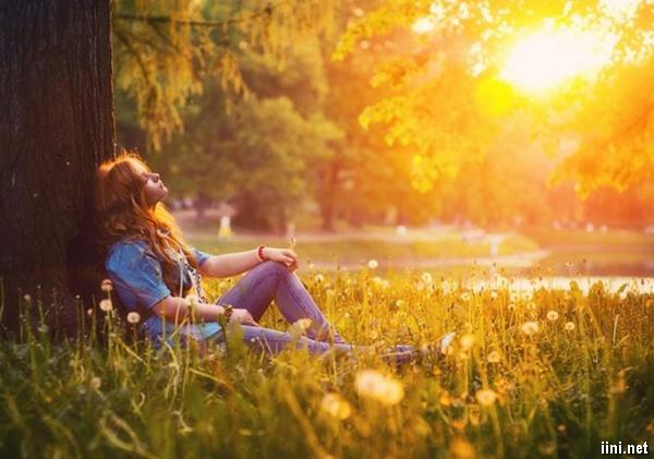 cô gái và nắng vàng tuyệt đẹp