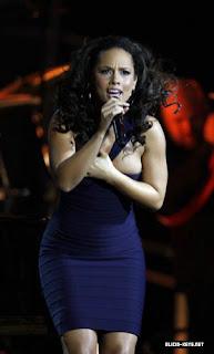 Alicia Keys VERY NICE WALLPAPER