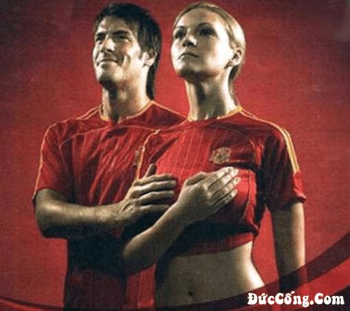 Sự khác nhau giữa bóng đá (Foot-ball) và bóng dâm (Fắc-ball)