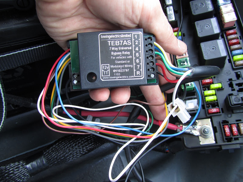 How to fit a universal tow bar electrics kit chrysler 300c forum locate the 12v input wire on your relay and install an inline fuse to it which should be provided with your relay kit you now need to connect this to a 12v asfbconference2016 Images