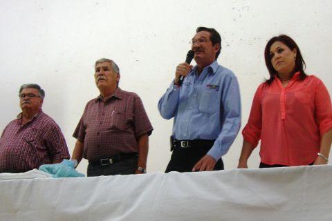 JUan Guillermo Ibarra, Julio Sánchez, Raúl Mireles e Imelda Flores de Mireles