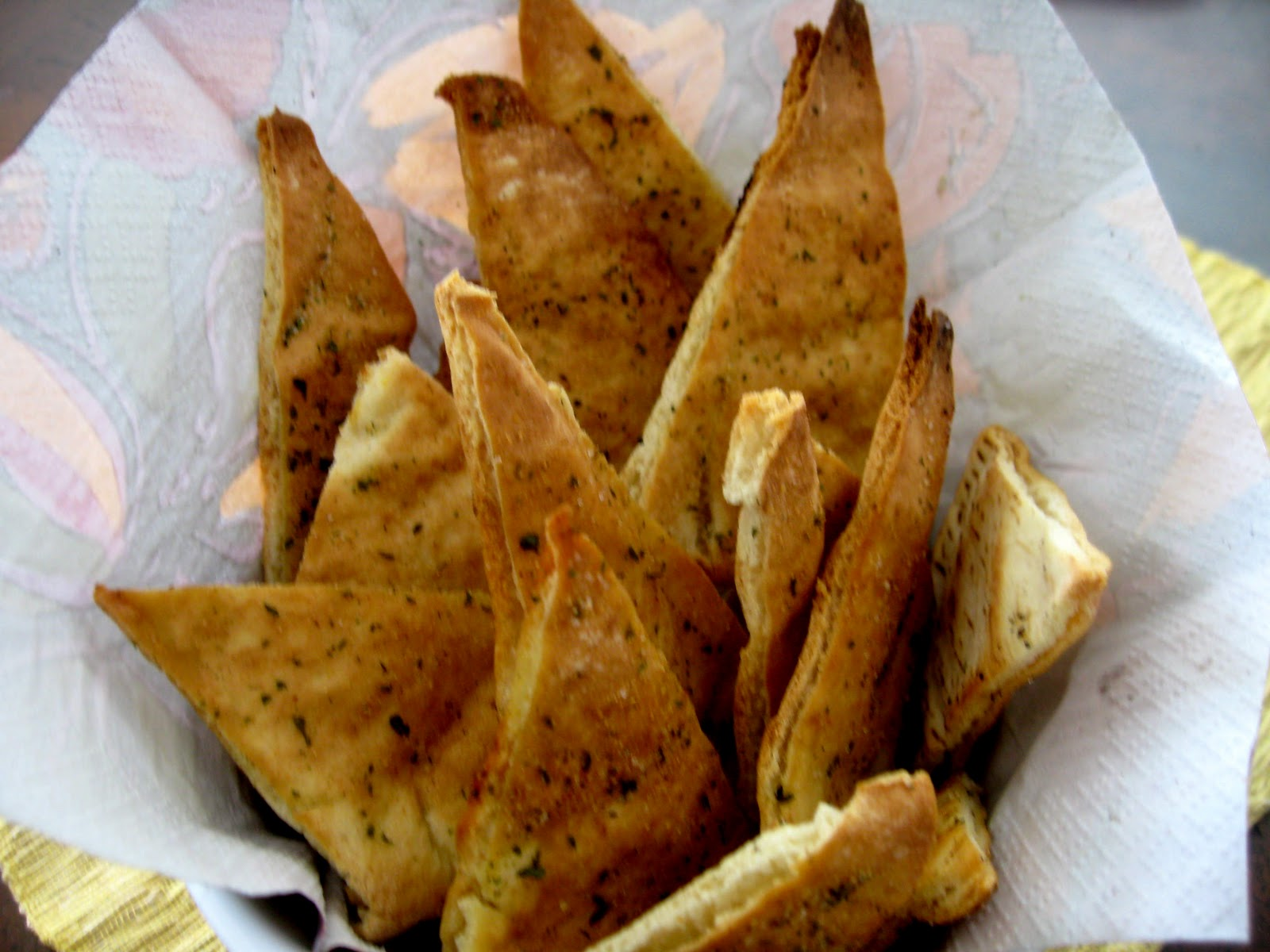 Pita Chips oven baked very easy | Sugar Baking Blog