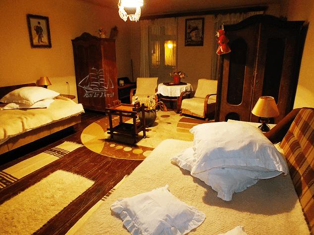 dormitor casa bunicii sighisoara