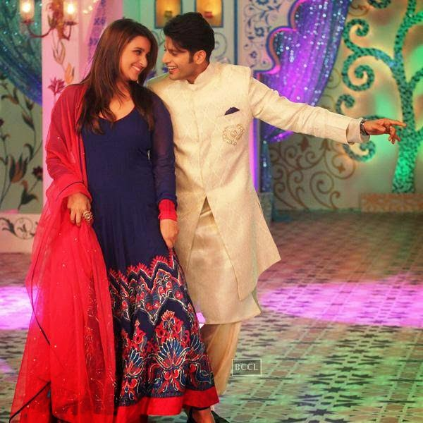 Parineeti Chopra and Karanvir Bohra on Zee TV's Eid special show, Dawaat-E-Eid. (Pic: Viral Bhayani)