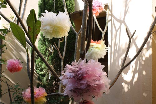 these faux peonies are actually crafted from colorful plastic shopping bags check out the tutorial from growing up creative