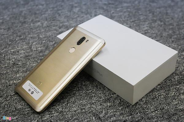Đập hộp Xiaomi Mi 5s Plus giá hơn 10 triệu đồng - 144816