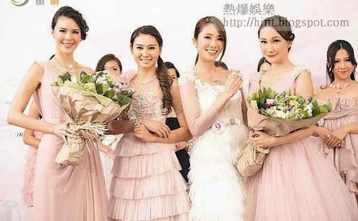 莊端兒(左二)曾參選珠寶小姐並獲名次。