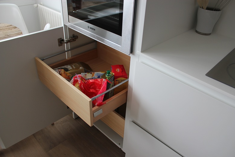 Dise o y decoraci n de cocinas marzo 2011 - Interiores de cajones de cocina ...