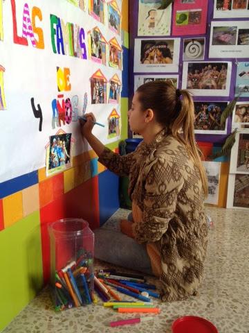La se o maricarmen mural sobre la familia for Mural una familia chicana