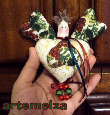 artemelza - anjinho 4 corações
