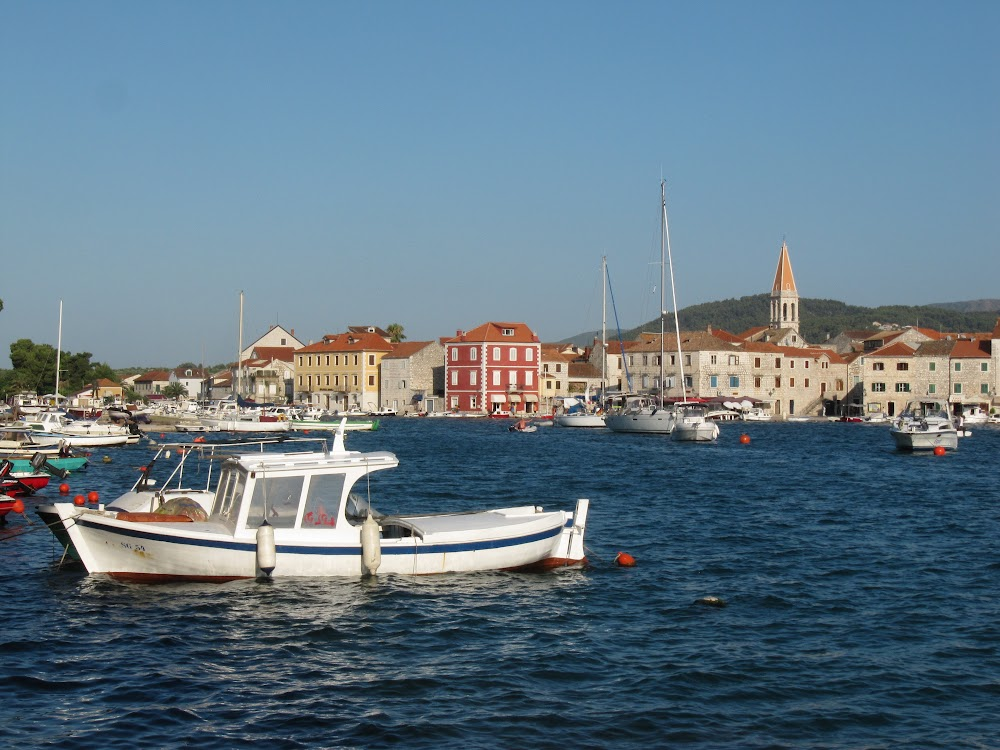 Harbor in Stari Grad