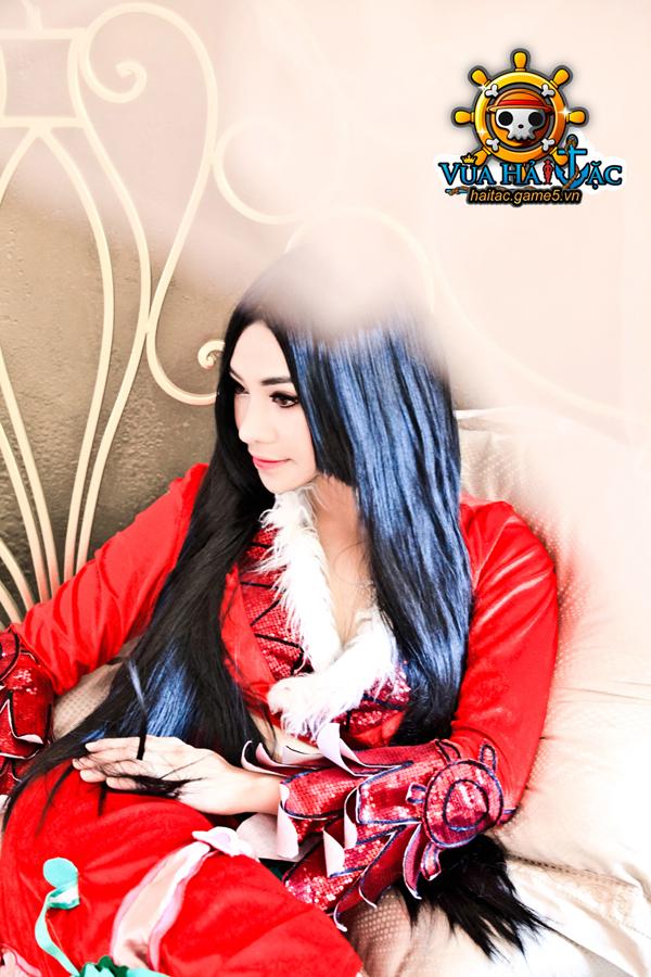 Ly Ba Lan quyến rũ trong cosplay Boa Hancock 10