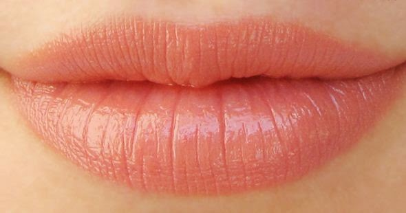 peach color lipstick