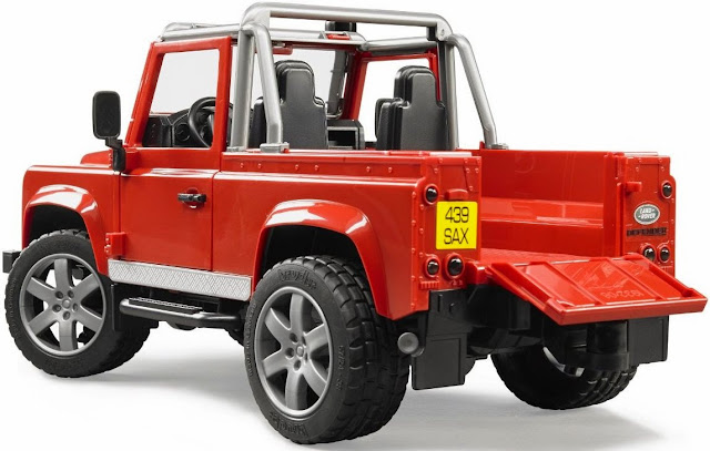Các chi tiết và bộ phận trên chiếc Xe Jeep Land Rover Defender đều tinh xảo, sắc nét