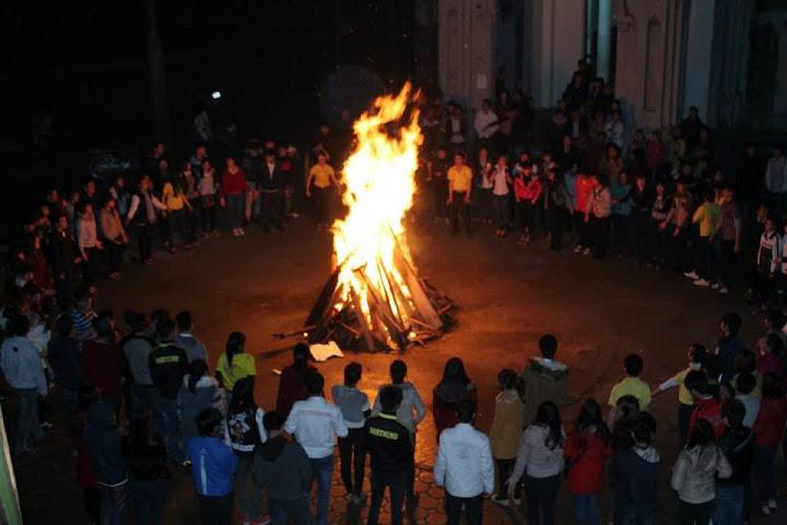 Giờ lửa trại Sinh viên Hưng Hóa mừng sinh nhật năm 2014