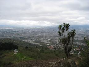 La cruz de Aranjuela au dessus de San Jose