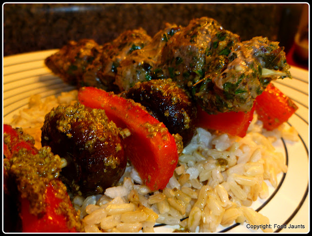 Pesto Beef, Mushroom and Pepper Kabobs