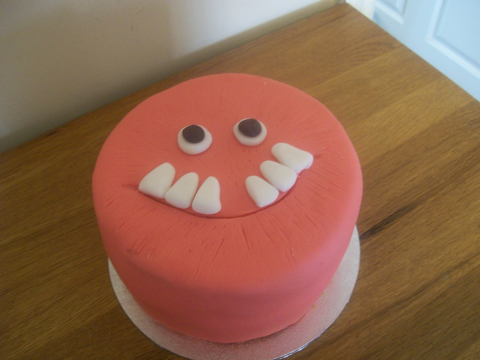 Red Nose Cake Images : THE CUPCAKE QUEEN: marathon week of cakes