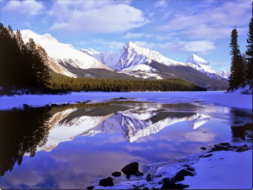 Maligne Lake in Winter, Alberta, Canada.jpg