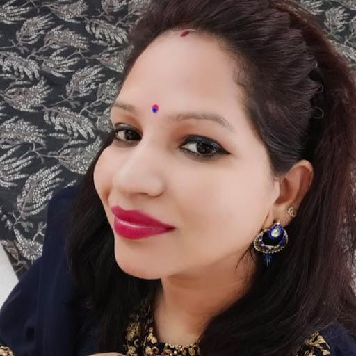 Reena Thakur Photo 15