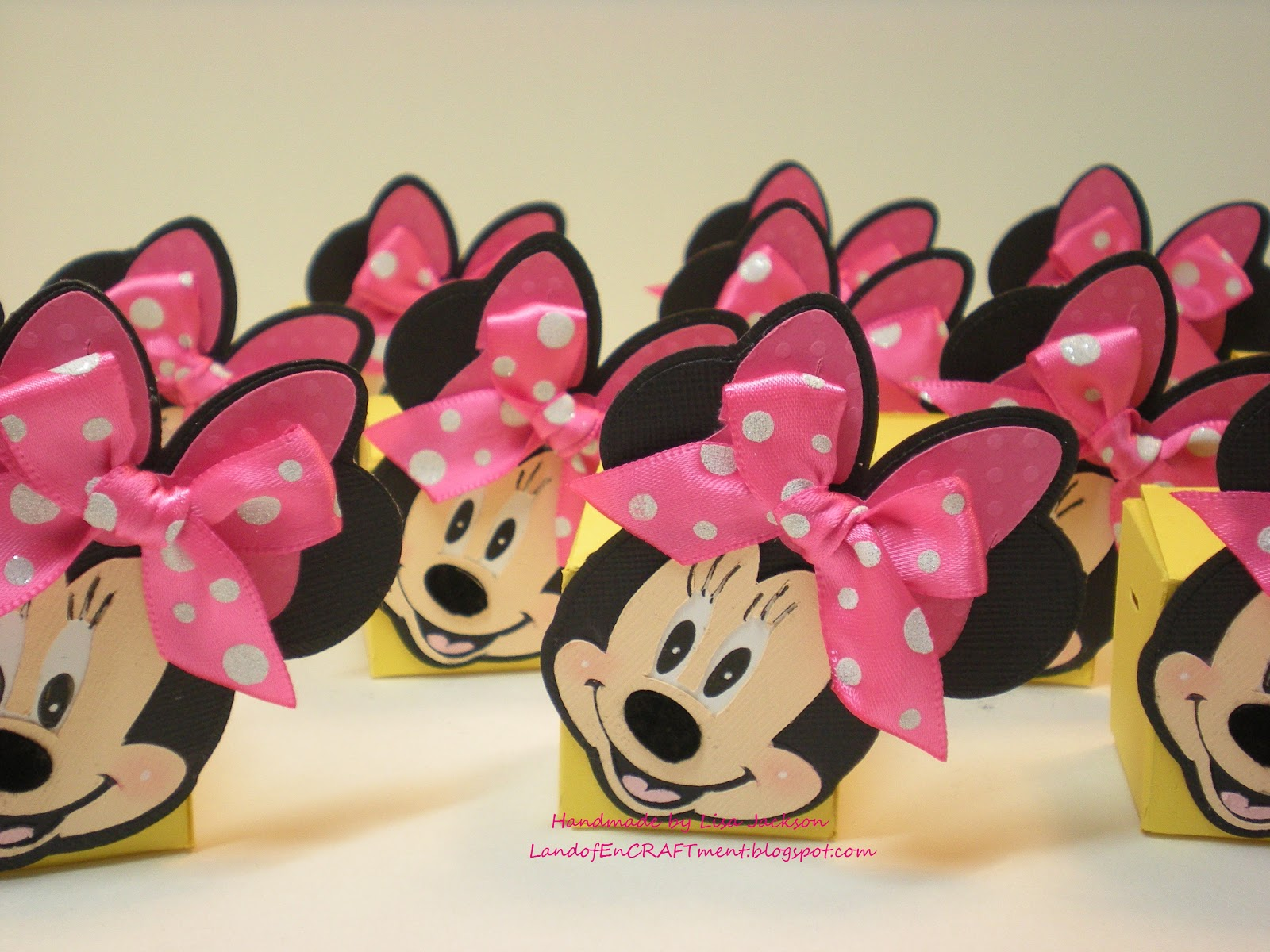 Land of Encraftment: Oh My! Minnie Mouse Birthday Party