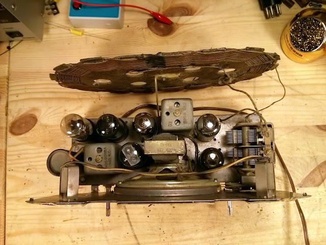 1946 Zenith 6-D-029 Consoltone Antique Radio Repair