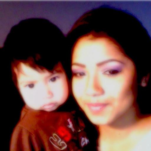 Mariana Flores (Naniuxy86)