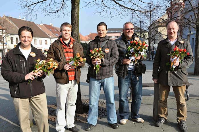 Tým na rozdávání růží