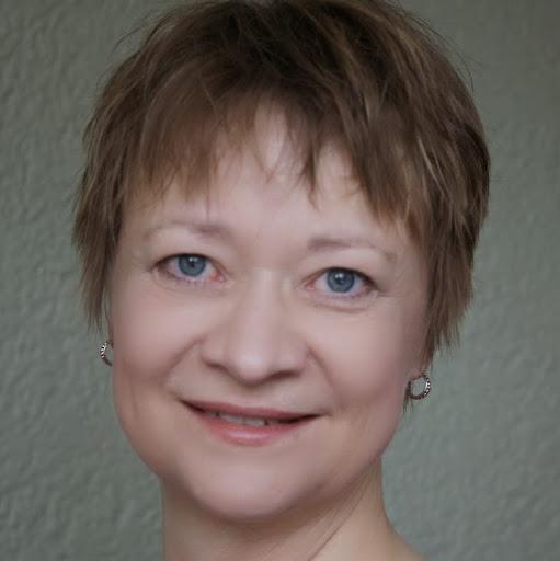 Elizabeth Carlson