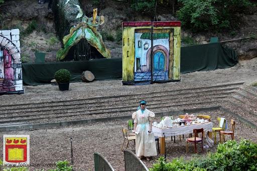 Alice in Wonderland, door Het Overloons Toneel 02-06-2012 (6).JPG