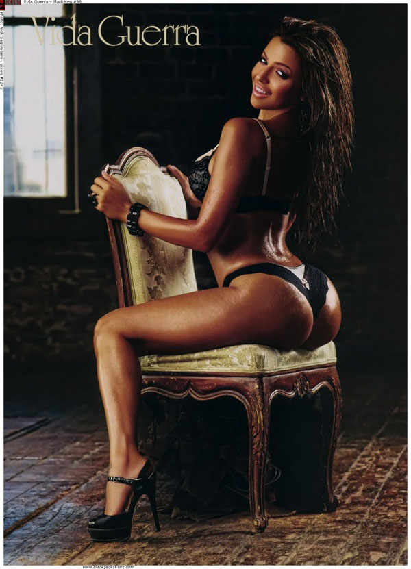 Vida Guerra(curve-1photos)1